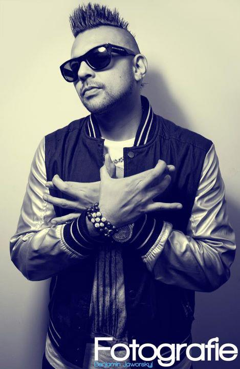 Sean Paul : Interview pour Melty.fr dans Interview 424321_280345718697808_100001671470018_775451_1975452128_n